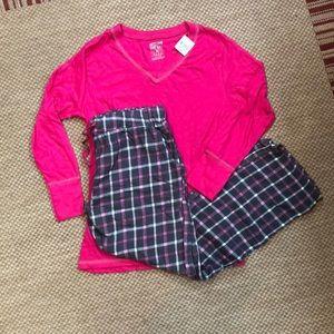 Pajama set, flannel plaid bottoms, top new w/tag